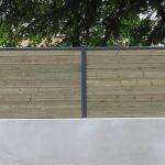 clôture mur et bois