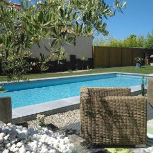 Aménagement de jardin autour d'une piscine